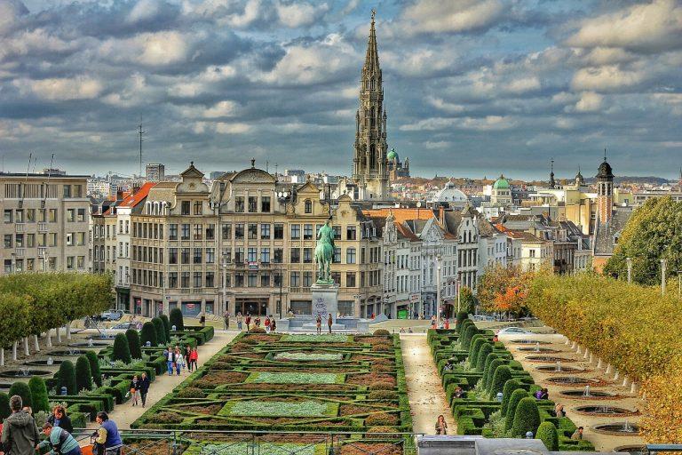 Scenariu – Prima dată la Bruxelles